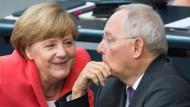 Merkel und Schäuble punkten bei den Wählern
