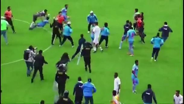 Schlägerei nach Fußballspiel in Peru