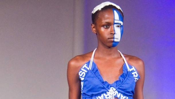 Pret-à-porter-Woche - In Paris wird die Mode für Herbst und Winter 2012 vorgestellt.