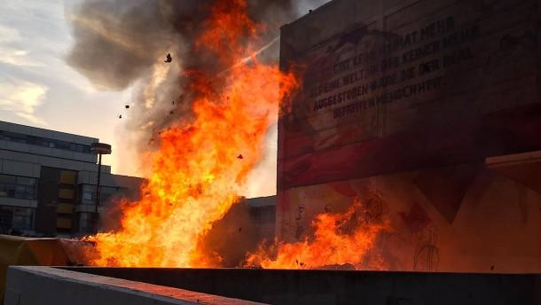 20 Tonnen Bücher verbrannt