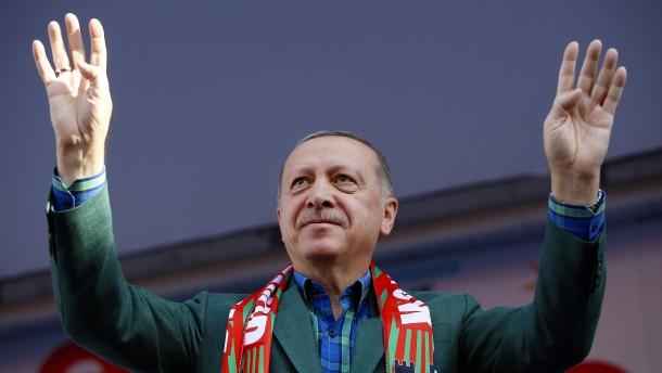 Erdogan: Blut meiner Brüder klebt an Händen von Demirtas