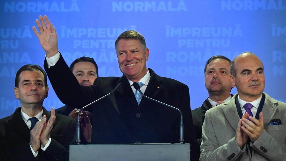 Klaus Johannis bleibt Präsident