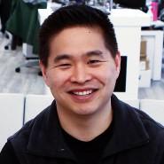 Brad Katsuyama ist Gründer der Aktienbörse IEX. Sie bremst Hochfrequenzhändler aus, die sich durch schnelle Computer einen Vorteil gegenüber anderen Anlegern verschaffen.