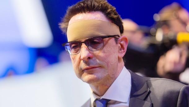 100.000 Euro Belohnung für Hinweise auf Säure-Attentäter