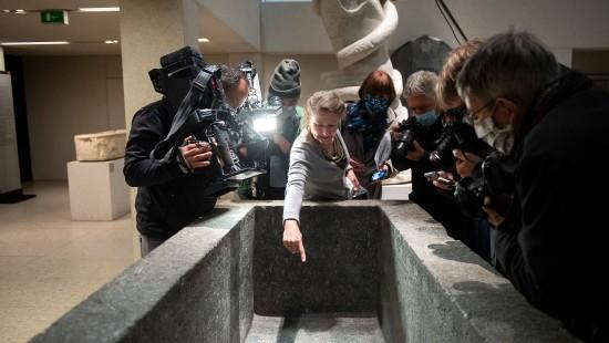 Rätselraten nach Beschädigung von Kunstwerken auf Museumsinsel