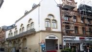 Marode: Seit 2007 gehört das ehemalige Theaterhaus der Stadt.