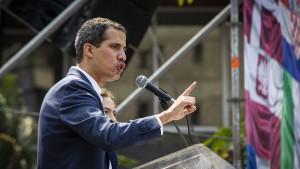 Berlin erkennt Guaidó als Interimspräsidenten an