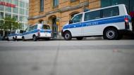 Polizist soll Ausländer misshandelt haben