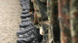 Haftbefehl gegen Soldaten und zwei Familienangehörige