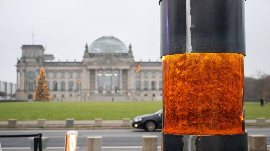 """""""Säule gegen den Verrat der Demokratie"""": Die neue Aktion vom Zentrum für Politische Schönheit"""