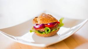 Auch Aldi verkauft jetzt vegane Burger