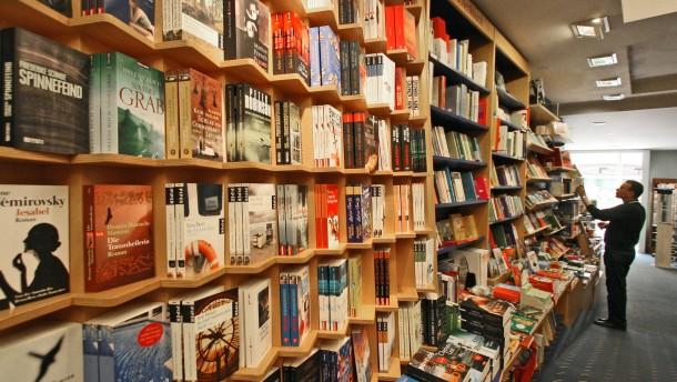 Deutsche kaufen wieder mehr Bücher im Laden
