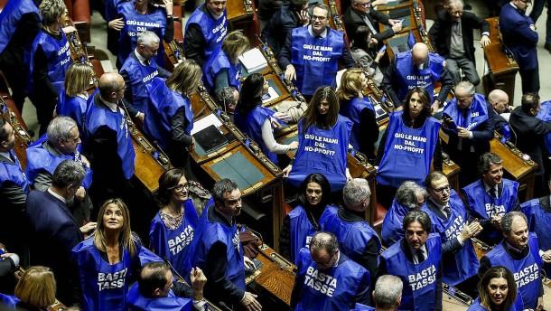 Italiens Regierung gewinnt Vertrauensabstimmung über Haushalt