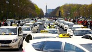 Viele, viele Taxifahrer vor der Siegessäule