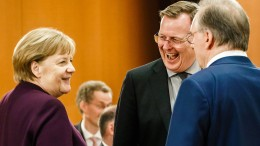 "Merkel nennt Ramelows Äußerungen ""zweideutig"""
