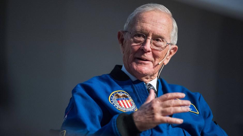 Astronaut Charles Duke hat seine eigenen Mond-Erfahrungen gemacht – Die Uhr hatte er immer dabei.