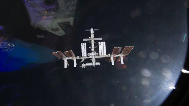 Astronauten kehren in ISS-Segment zurück