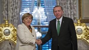 Kritik wegen Merkels Offerten an Erdogan
