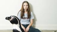 Glanz und Elend des WG-Lebens: Jasna Fritzi Bauer als Mifti mit Tiermetapher
