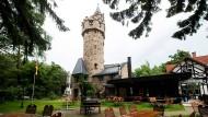 Lokal mit Fernsicht: Der Kaiser-Wilhelm-Turm bei Wiesbaden-Klarenthal.