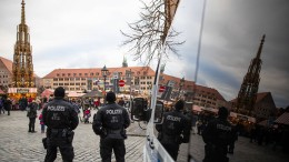 Polizei überprüft mehrere Personen