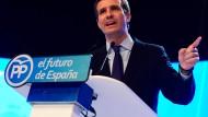 Führt überraschend die spanischen Konservativen: der 37 Jahre alte Nachwuchspolitiker Pablo Casado wird Nachfolger von Mariano Rajoy