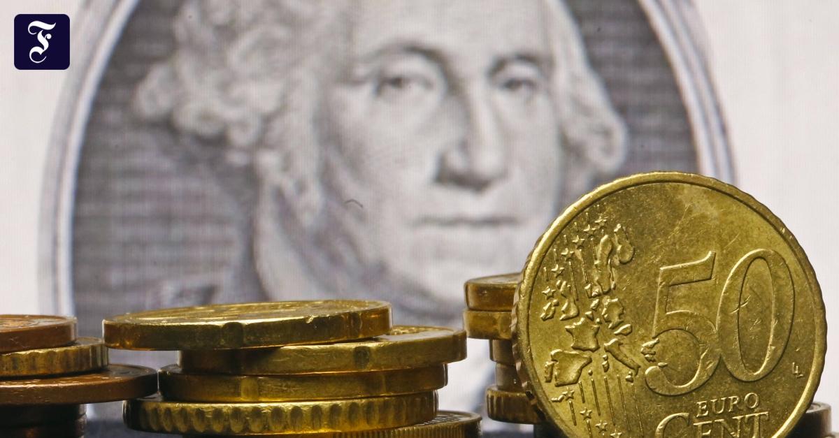 Der Euro Sackt Unter 1,05 Dollar