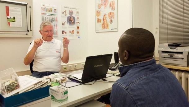 Kopie von Mediziner helfen Migranten in Not