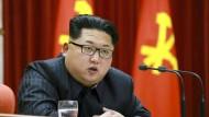 Der nordkoreanische Machthaber Kim Jong Un droht weiterhin mit einem Angriff auf die amerikanische Insel Guam.