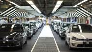 VW-Aktien rauschen abermals in die Tiefe