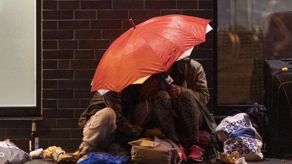 Drogen und Müll: Die Zustände im Bahnhofsviertel sind in der Corona-Krise noch elender geworden.