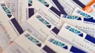 Fahrkarten: Mit dem neuen Tarif RMV-Smart werden fast alle Strecken deutlich teurer.
