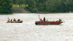 Schwimmer im Rhein löst Großeinsatz aus