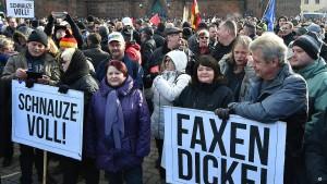 Rechte Demonstranten in Cottbus in der Überzahl