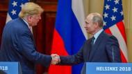 Donald Trump und Wladimir Putin bei der gemeinsamen Pressekonferenz