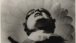 Ikarus mit dem Fallschirm