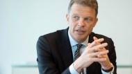 Christian Sewing, Vorstandsvorsitzender der Deutschen Bank, während des F.A.S.-Gesprächs in der Deutsche Bank Zentrale in Frankfurt