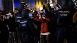 Welle der Gewalt nach Festnahme von Rapper Hasél