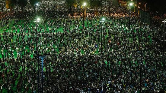 Tausende Demonstrieren in Hongkong