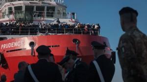 Flüchtlings-Schiffe sollen auch andere EU-Länder ansteuern
