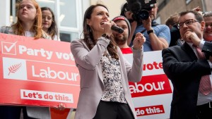 Neue Labour-Chefin mischt Wahlkampf in Neuseeland auf