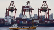 Schon vor Trumps Sieg am Schwächeln: Der Welthandel wächst nur noch halb so schnell. Das bekommen auch Containerhäfen, wie hier in Tokio, zu spüren.