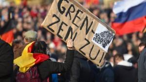 Staatsanwaltschaft ermittelt gegen Pegida-Demonstranten