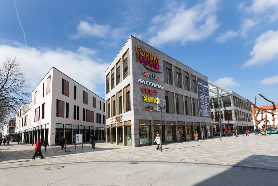 """""""Urbaner Platz der Lebensfreude"""" oder Kriminalitätsschwerpunkt? Der Freiheitsplatz mit dem Einkaufszentrum Forum Hanau"""