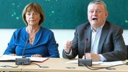 Gröhe und Schmidt werben für Zustimmungslösung