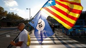 Puigdemont verschiebt Rede vor katalanischem Parlament
