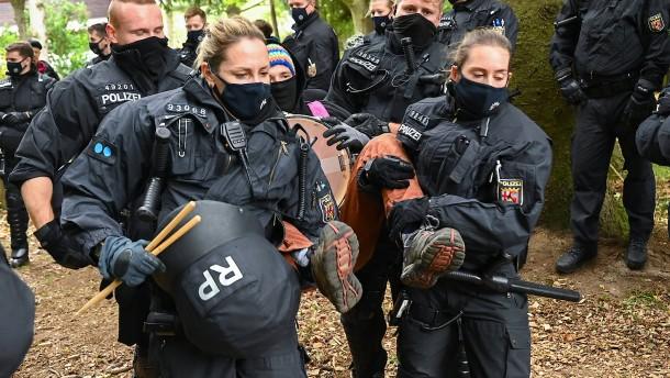 Umweltschützer protestieren im Maulbacher Forst weiter
