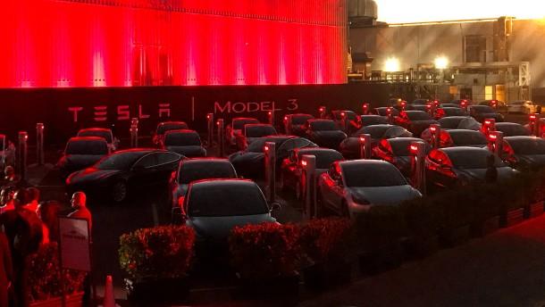 Tesla bricht sein Versprechen schon wieder