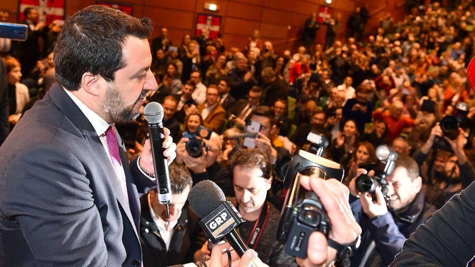 Der lachende Dritte? Matteo Salvini am Donnerstag bei einer Veranstaltung in Turin
