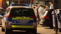 Acht Menschen erschossen – Täter flüchtig